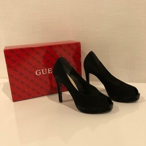 Brand new - size 8 - Guess shoes